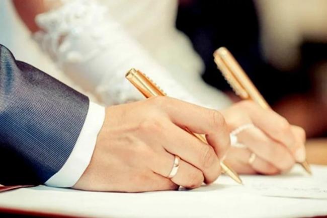 διαζυγιο με αντιδικια λευκη χατζηδακη
